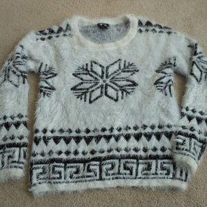 Deb Fuzzy Winter Print Sweater White/Black XL